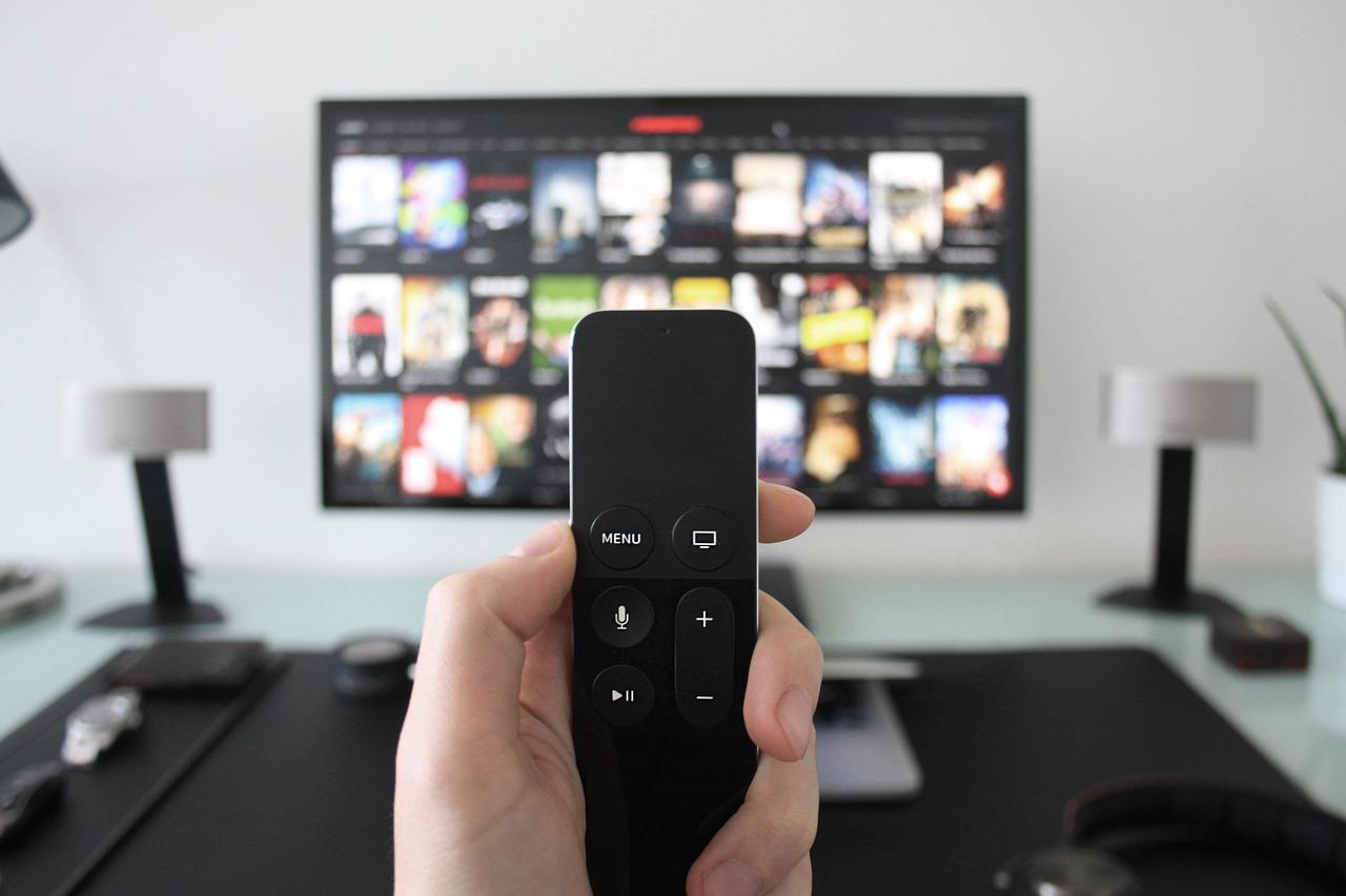 best 43 inch tvs under 30000 india